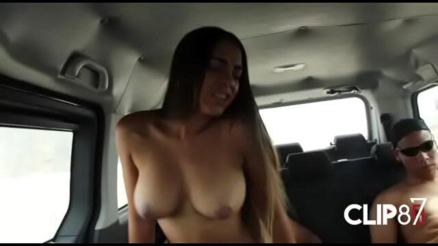 Patricia Acevedo Follando en el MiniBus